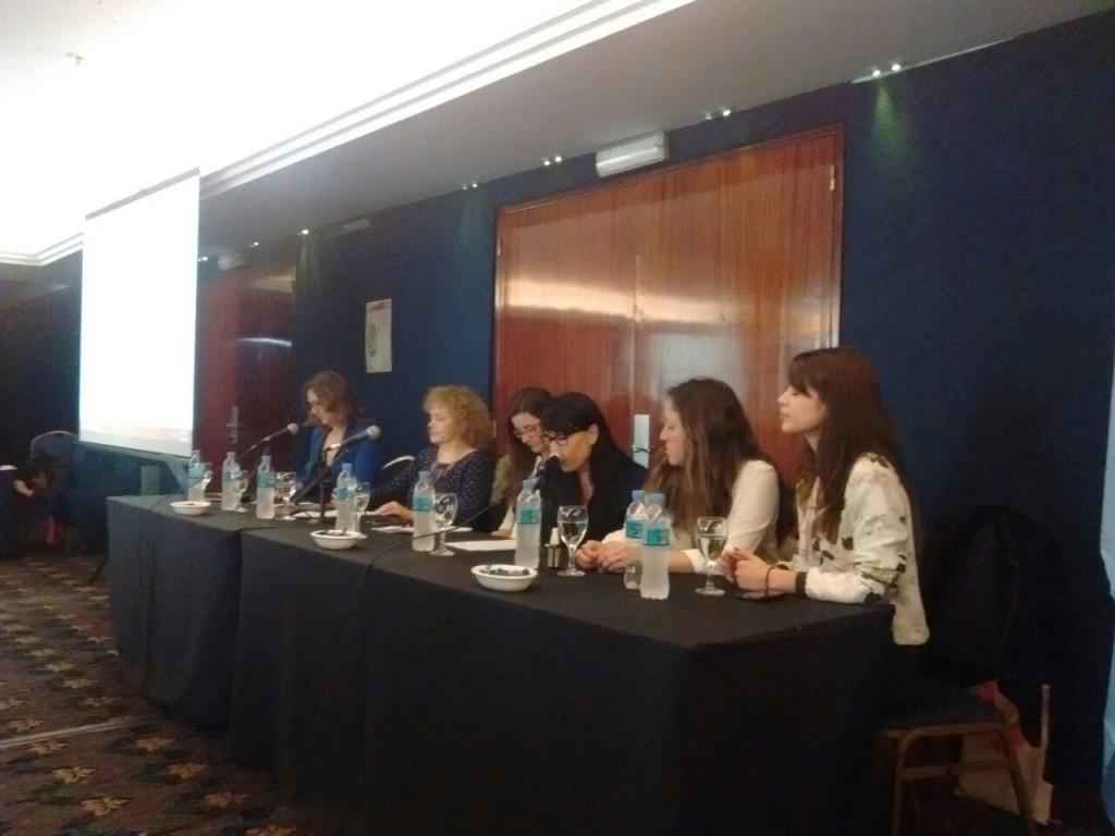 La disertación tuvo lugar en la 7º Jornada de Psico-oncología y Cuidados paliativos durante la mesa titulada: Los diferentes discursos sobre la enfermedad oncológica.